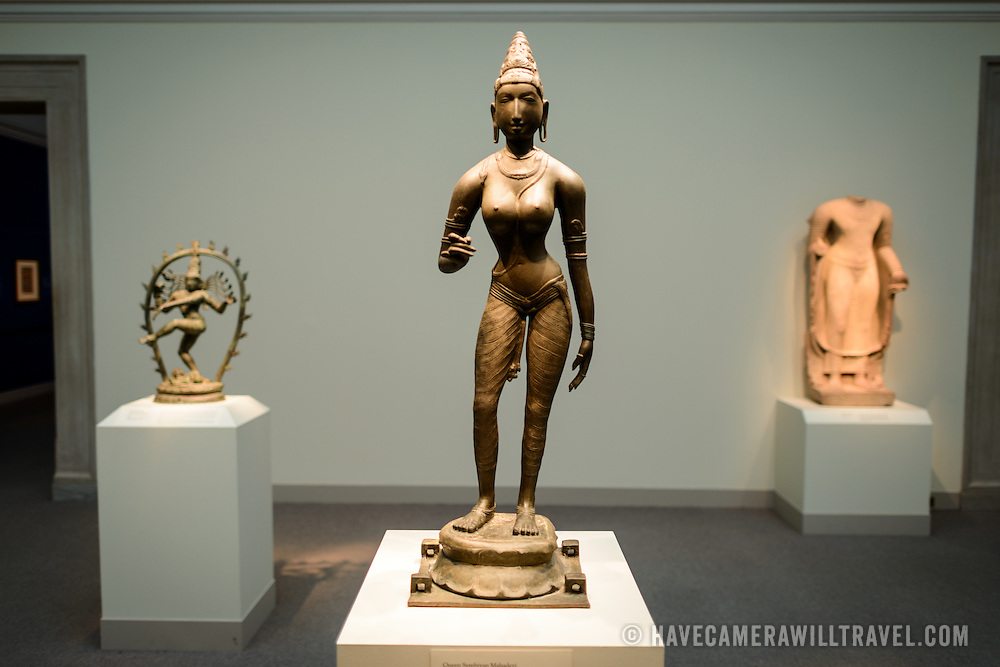 Freer Gallery of Art Bronze statue of Queen Sembiyan. Bronze statue of Queen Sembiyan Mahadevi as the Goddess Parvati, India, ca. 990. The Freer Gallery of Art, on Washington DC's National Mall, joined the Arthur M. Sackler Gallery to form the Smithsonian Institution's Asian art gallery. The Freer Gallery contains a sizeable collection of Asian art, but also has a major collection of works by James McNeill Whistler.