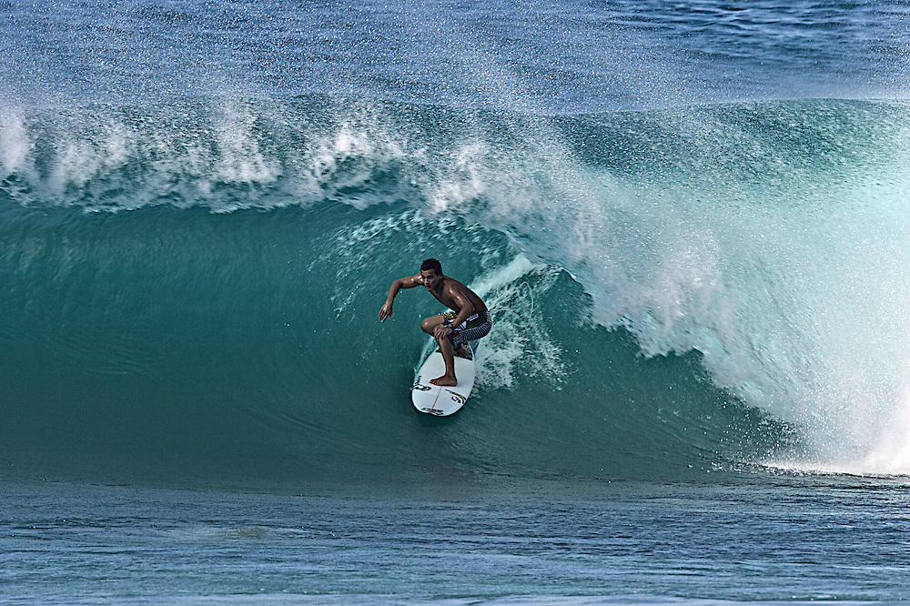 surfing Hawaii pipe-line,Stephen Koehne Jr.