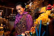 The bartender of bar Sazae.