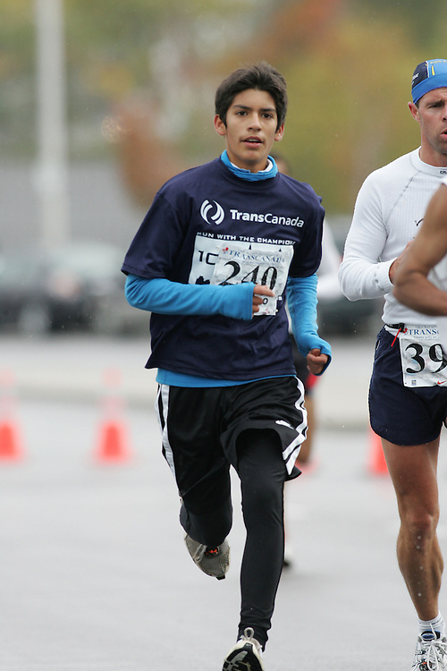 (13/10/2007--Ottawa) TransCanada 10K Canadian Championship run by Athletics Canada. The athlete in action is HECTOR CARRANCO