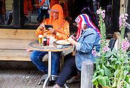 In Utrecht loopt de binnenstad vol met Oranjesupporters tijdens het WK Voetbal.<br /> <br /> In Utrecht people gather in the center to watch the world championship soccer