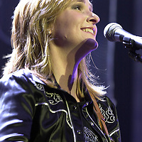 Mellissa Etheridge in concert