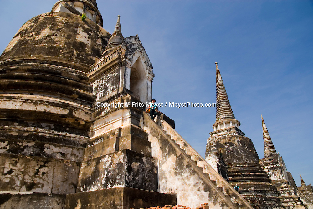 Ayuthaya, Thailand, April 2007. Wat phra Si Sanphet. Once the Siamese royal capital, Ayuthya is home to some of thailands best known ancient buddhist temples. The ruins of many temples are even today an impressive sight. Photo by Frits Meyst/Adventure4ever.com