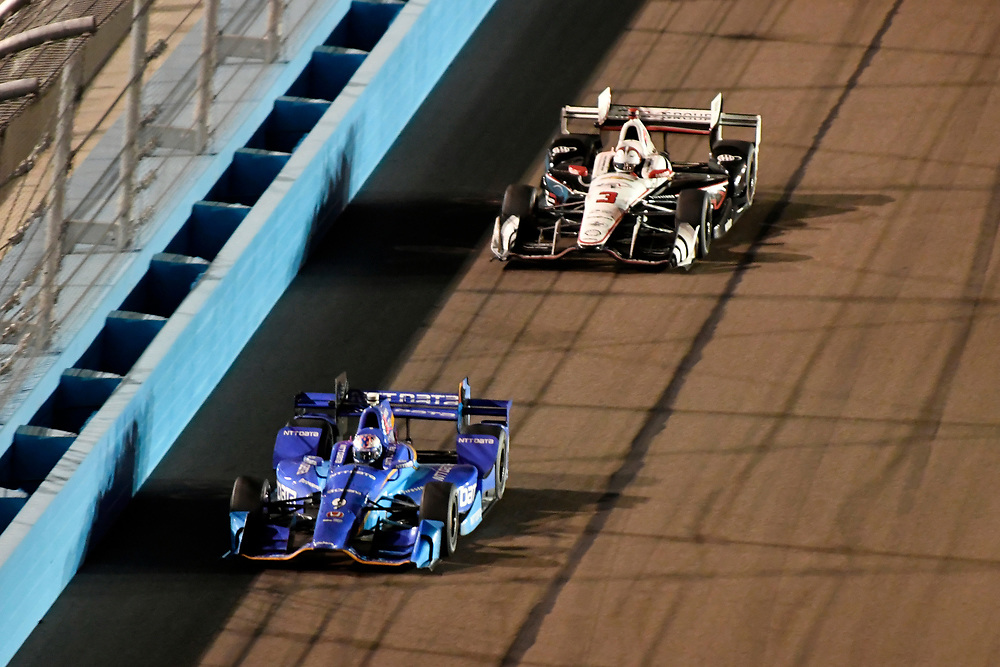 Verizon IndyCar Series<br /> Desert Diamond West Valley Phoenix Grand Prix<br /> Phoenix Raceway, Avondale, AZ USA<br /> Saturday 29 April 2017<br /> Scott Dixon, Chip Ganassi Racing Teams Honda, Helio Castroneves, Team Penske Chevrolet<br /> World Copyright: Scott R LePage<br /> LAT Images<br /> ref: Digital Image lepage-170429-phx-4451