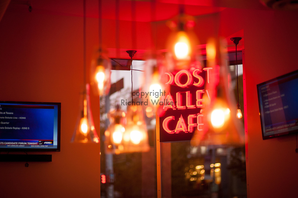 2016 October 10 - Post Alley Cafe in the University District, Seattle, WA, USA. By Richard Walker