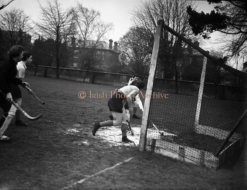 15/02/1958<br /> 02/15/1958<br /> 15 February 1958<br /> Hockey: Ladies, Irish Universities v Scottish Universities, Dartry, Dublin.