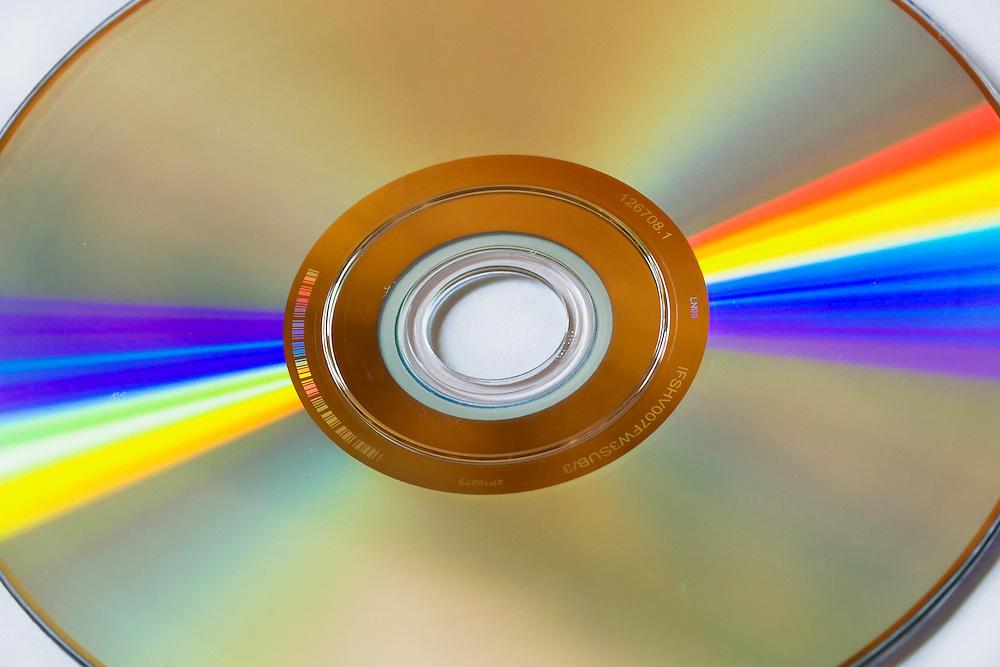 DVD disk light refraction
