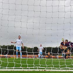 Berwick Rangers keeper Kevin Walker tries in vain to stop Forfar's opening goal....(c) BILLY WHITE | SportPix.org.uk