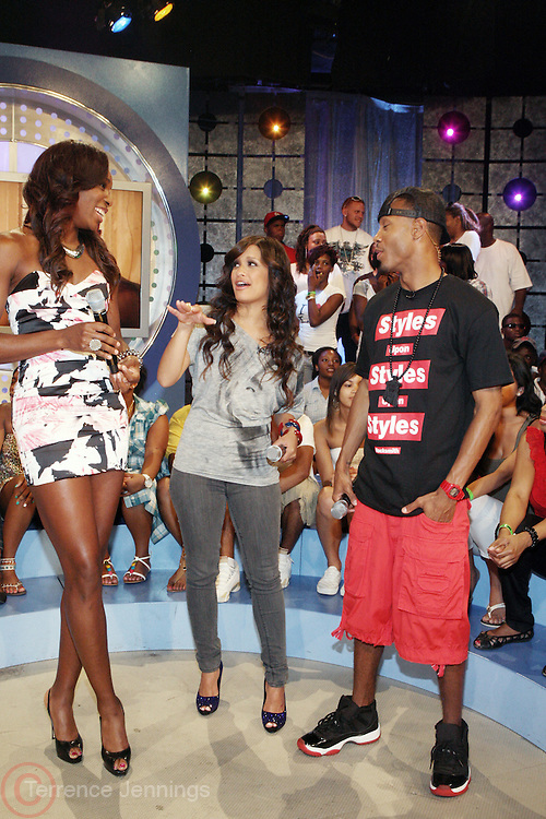 7 July 2010- New York, NY- l to r: Venus Williams, Rocsi, and Terrence J on screen at BET Studios for her segment as she begins her promotion of her new book ' Come to Win ' published by HarperCollins on July 7, 2010 in New York City.