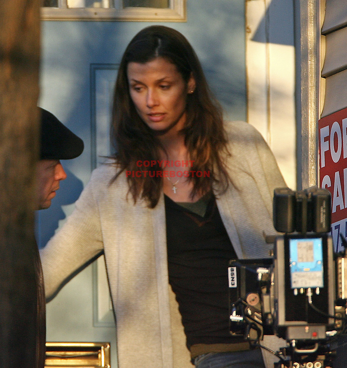 "(121208 Boston, MA Bridget Moynihan and Donnie Wahlberg film a scene from TNT's  ""Bunker Hill"" as filming continued today on Mead st in the Charlestown section of Boston.Staff Photo by Mark Garfinkel  ."