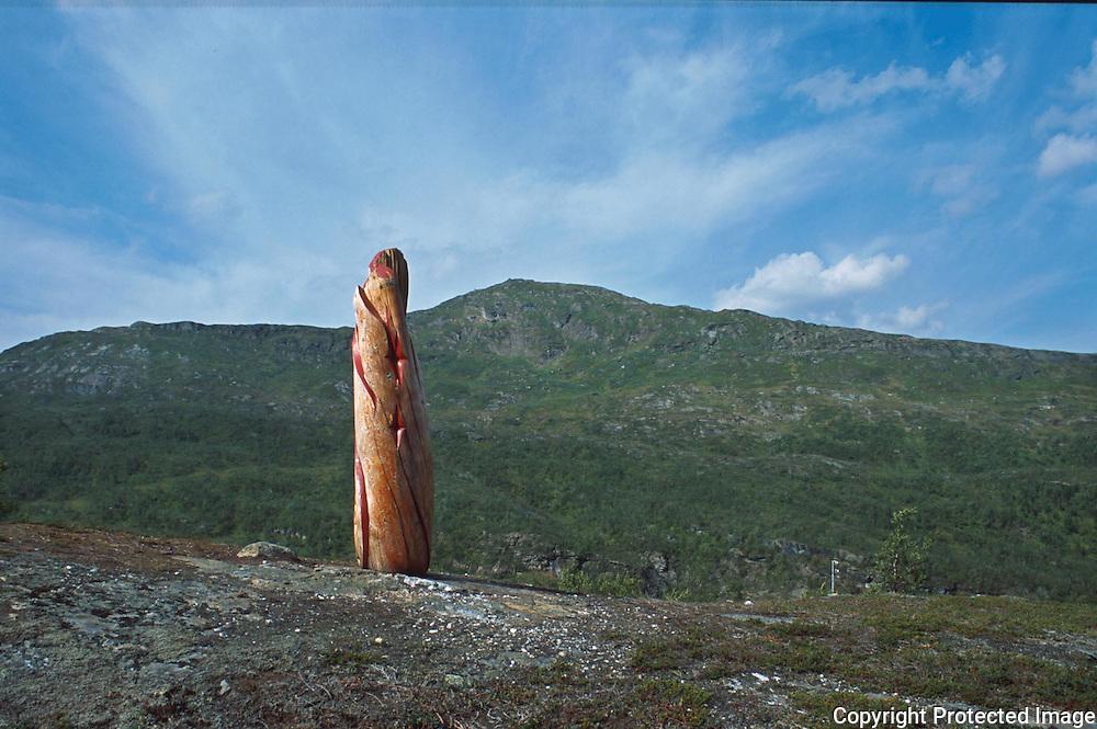 Skulptur av Ingunn Utsi fra Finnmark, Hattfjelldal..dias