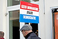 demontratie tegen de monarchie 27-4-2016 ZWOLLE - Kingday in Zwolle , King Willem-Alexander, Queen Maxima, Princess Amalia, Princess Alexia and Princess Ariane is April 27, 2016 attended the celebration of King's Day in the town of Zwolle, in the province of Overijssel. Prince Constantijn and Princess Laurentien, Prince Maurits and Princess Maril&egrave;ne, Prince Bernhard and Princess Annette, Prince Pieter-Christiaan and Princess Anita and Prince Floris and Princess Aim&eacute;e are also provided at Kingday in Zwolle. COPYRIGHT ROBIN UTRECHT<br /> 27-4-2016 ZWOLLE - Koningsdag in Zwolle Koning Willem-Alexander, Koningin Maxima, Prinses Amalia , Prinses Ariane en prinses Alexia zijn 27 april 2016 aanwezig bij de viering van Koningsdag in de gemeente Zwolle, in de provincie Overijssel. Prins Constantijn en Prinses Laurentien, Prins Maurits en Prinses Maril&egrave;ne, Prins Bernhard en Prinses Annette, Prins Pieter-Christiaan en Prinses Anita &eacute;n Prins Floris en Prinses Aim&eacute;e zijn ook aanwezig bij Koningsdag in Zwolle. COPYRIGHT ROBIN UTRECHT