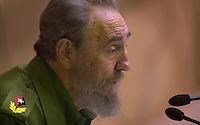 """Fidel Castro, presidente de Cuba, pronuncia el discurso de clausura del """"Encuentro hemisferico de lucha contra el ALCA"""", celebrado en el Palacio de las Convenciones de la Habana, 16 de Noviembre del 2001, la Habana, Cuba. Castro hablo durante mas de cuatro horas. (Photo/Cristobal Herrera)"""