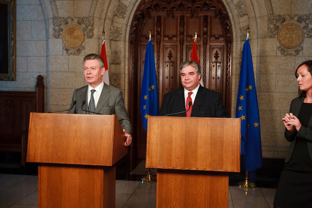 Karel De Gucht, European Commissioner for Trade speaks at a press conference with Canada's Minister of International Trade Peter Van Loan on Parliament Hill in Ottawa, Canada December 15, 2010.<br /> AFP/GEOFF ROBINS/STR