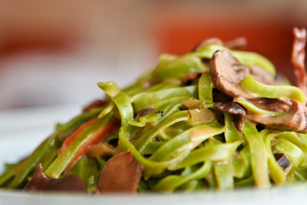 Spinach fettuccine at La Tomate.