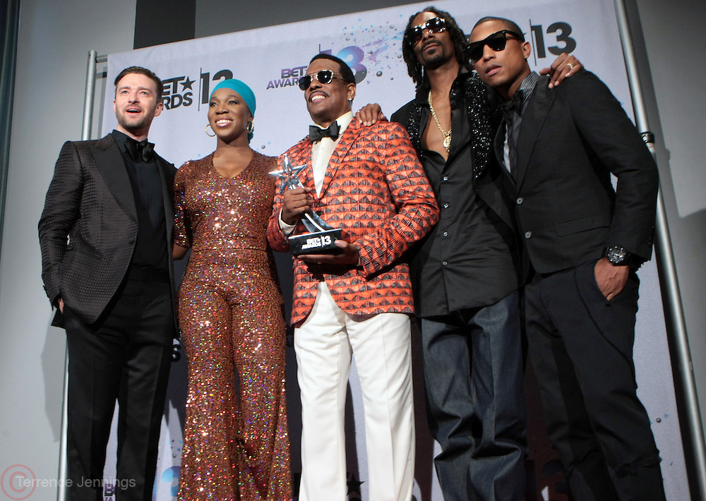 Los Angeles, CA-June 30:  (L-R) Recording Artists Justin Timberlake, India.Arie, Charlie Wilson, Snoop Lion and Pharrell backstage at the 2013 BET Awards Winners's Room Inside held at LA Live on June 30, 2013 in Los Angeles, CA.©Terrence Jennings/Retna, Ltd