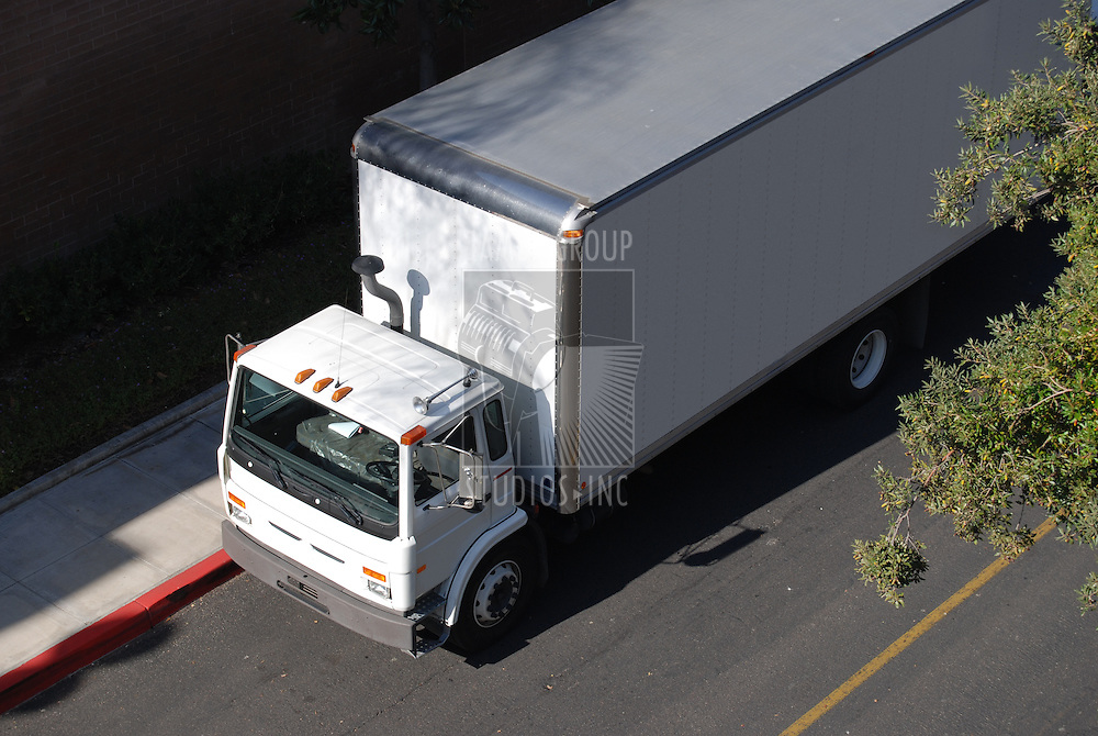 Medium-large delivery truck from overhead view