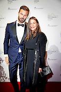 Arie Boomsma is, voor het eerst sinds hun huwelijk afgelopen zomer, met zijn zwangere geliefde Romy