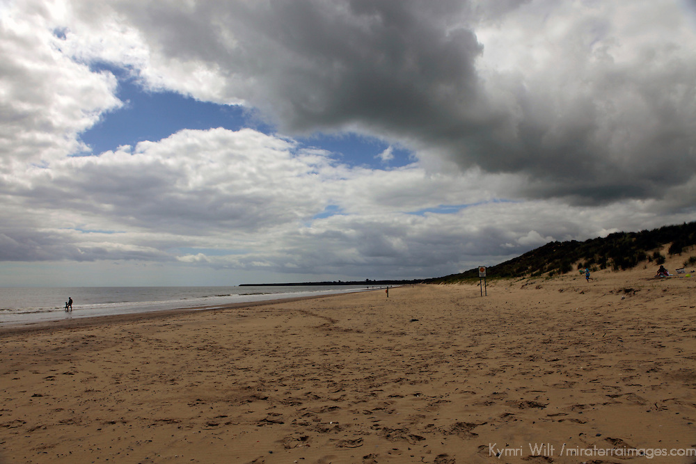 Europe, Ireland, Brittas Bay. Shore and skies of Brittas Bay, County Wicklow.