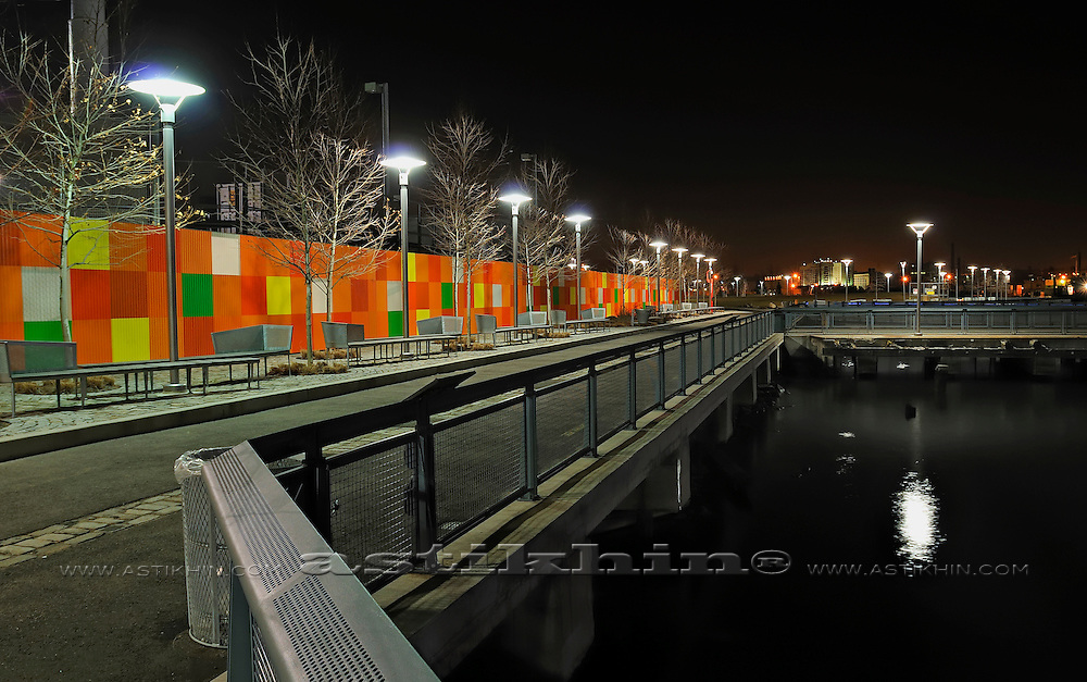 Embankment at night in Brooklyn