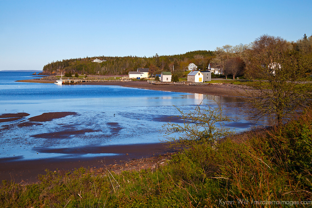 North America, Canada, Nova Scotia, Guysborough. Cook's Cove at low tide.