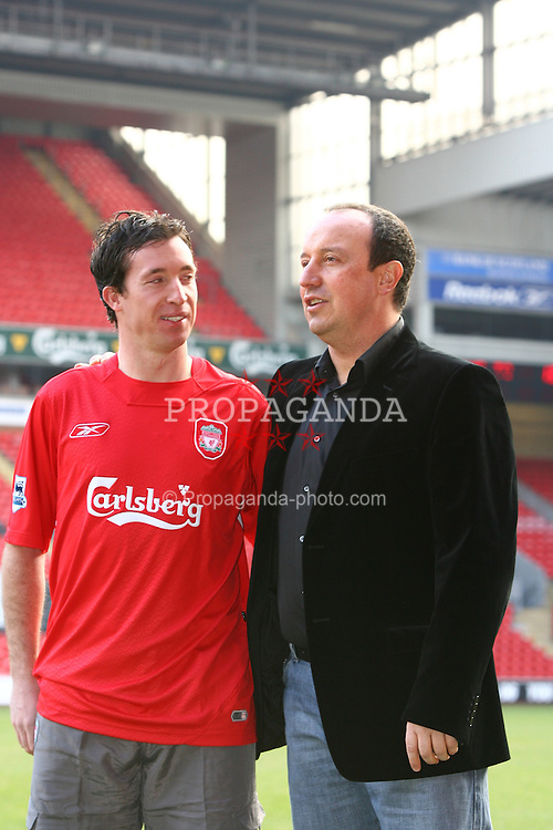 ¿Cuánto mide Robbie Fowler? - Real height 060130-008-Fowler