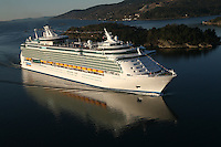 Independence of the Seas sails into Oslo on it's inaugural voyage.
