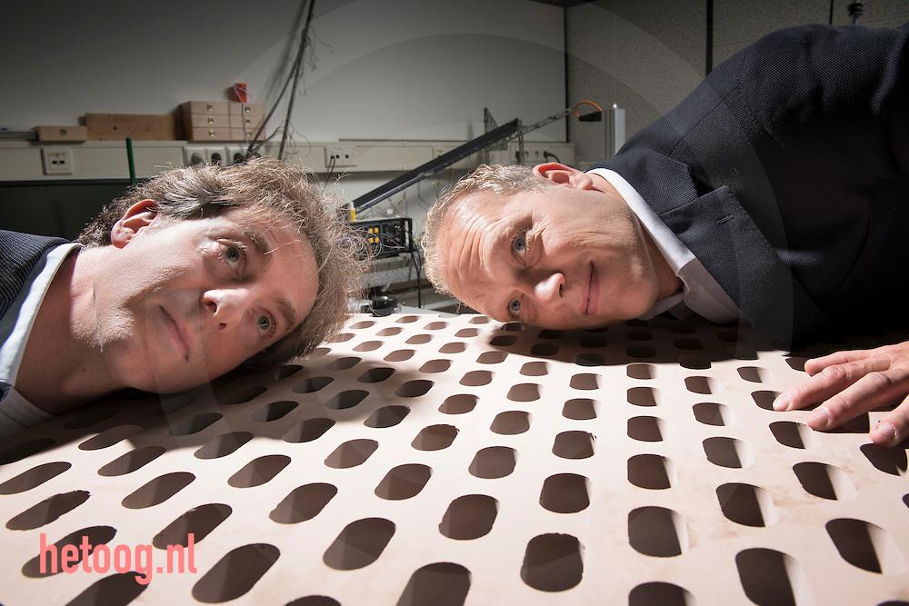 nederland, enschede, 22okt2013 Ysbrand Wijnant (l) en Eric de Vries(r) van 4Silence ontwikkelaars van geluiddempend beton