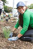 Surfrider OFG Planting Diane Lee Home