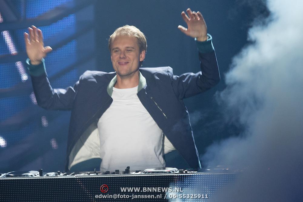 NLD/Amsterdam/20131122 - The Voice of Holland 2013 2de show, DJ Armin van Buuren