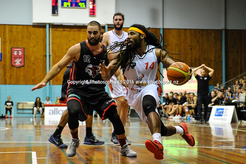 Jordair Jett of the Southland Sharks runs round Ethan Rusbatch of the Rams during the NBL Basketball Match, Canterbury Rams V Southland Sharks, Cowles Stadium, Christchurch, New Zealand. 25th March 2016. Copyright Photo: John Davidson / www.photosport.nz