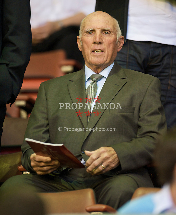 LIVERPOOL, ENGLAND - Wednesday, August 19, 2009: Former Liverpool player, coach and manager Ronnie Moran during the Premiership match at Anfield. (Pic by: David Rawcliffe/Propaganda)