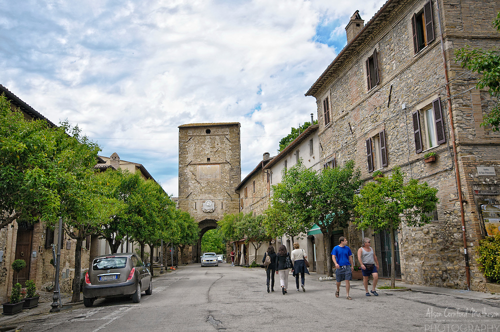 The village of Bevagna, in Umbria, Italy For more information, please visit http://cheeseweb.eu/2013/09/photo-tour-spello-umbria-italy/
