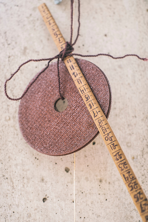 Scale ruler to measure and translate lengths from scale model