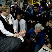 Former Arkansas (AR) Gov. Mike Huckabee receives a haircut and shave from Scott Sales Monday, December 31, 2007, in Des Moines, Iowa (IA)...Khue Bui