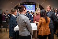 7-1-2016 AMSTERDAM - Koningin M&aacute;axima woont donderdagmiddag 7 januari in museum De Hermitage in Amsterdam de ondertekening bij van een lening van 100 miljoen euro van de Europese Investeringsbank (EIB) aan Qredits Microfinanciering Nederland. Met deze lening kan Qredits de komende jaren meer leningen verstrekken en coaching geven aan Nederlandse (startende) ondernemers. Koningin M&aacute;xima is hierbij aanwezig in haar hoedanigheid van lid van het Nederlands Comit&eacute; voor Ondernemerschap en Financiering.. COPYRIGHT ROBIN UTRECHT<br /> 7-1-2016 AMSTERDAM - Queen Maxima attends Thursday January 7 in The Hermitage museum in Amsterdam at the signing of a loan of 100 million euros from the European Investment Bank (EIB) to Qredits Microfinance Netherlands. With this loan Qredits can provide in the coming years more loans and coaching of Dutch (starting) entrepreneurs. Queen M&aacute;xima is also present in her capacity as a member of the Dutch Committee for Entrepreneurship and Finance . COPYRIGHT ROBIN UTRECHT