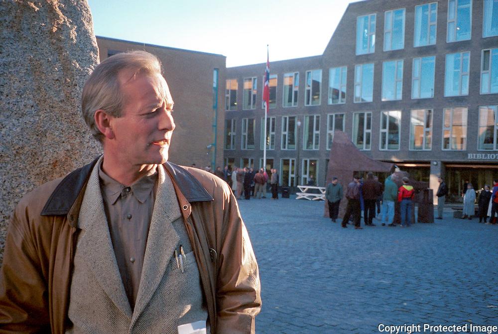 B&aring;rd Breivik, kunstner. &aring;pning skulpturpark Bibliotekstomta, Trondheim<br /> neg