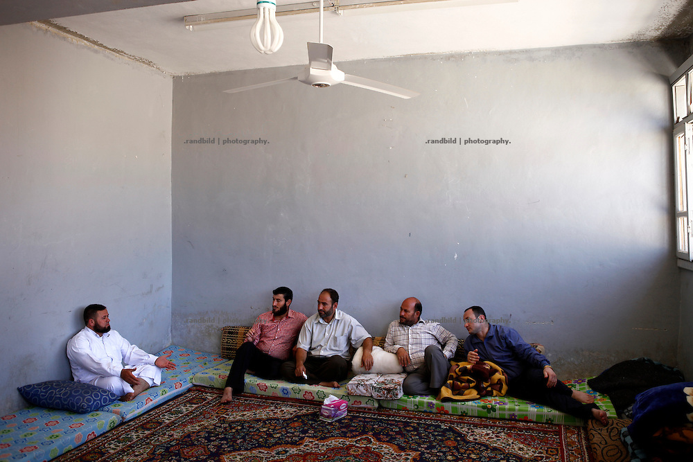 Five of ten members of the elected Local Council (LC) of Koreen gather in a classroom of the local school to discuss several issues to run municipal facilties and get problems solved. Always a big issue to discuss is the lack of money and support from outside.<br />