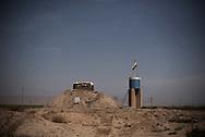 Iraq, Kurdistan: Peshmerga sighting point on the frontline against IS in Makhmur district 50Km south of Mosul. Alessio Romenzi