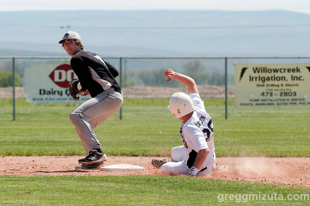 Horizon Christian second baseman Ryan Guay forces out Vale's Austin Dayton during the seventh inning of the 3A Oregon State Baseball Championships semifinals game between Vale and Horizon Christian on May 31, 2011 at Cammann Field, Vale, OR.