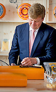 8-7-2015 - HEERENVEEN - Koning Willem Alexander opent woensdagmiddag 8 juli 2015 de kaasmakerij van Royal A-ware en de ingredi&euml;ntenfabriek van Fonterra in Heerenveen .  COPYRIGHT ROBIN UTRECHT<br /> 8-7-2015 - HEERENVEEN - King Willem Alexander opens Wednesday July 8, 2015 the cheese from Royal A-ware and the ingredients of Fonterra factory in Heerenveen. COPYRIGHT ROBIN UTRECHT
