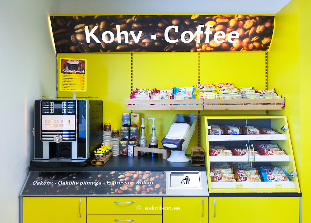 gas station shop with coffee maker shelves and food in estonia coffee machine and fast food. Black Bedroom Furniture Sets. Home Design Ideas