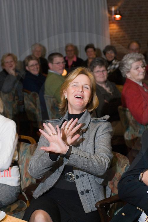 Annie Schreijer-Pierik (1953) is sinds 19 mei 1998 lid van de Tweede-Kamerfractie van het CDA.