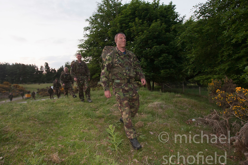Setting up the night exercise..Exercise Guards Warrior with the Scots Guards at their Catterick base..Pic ©2010 Michael Schofield. All Rights Reserved.
