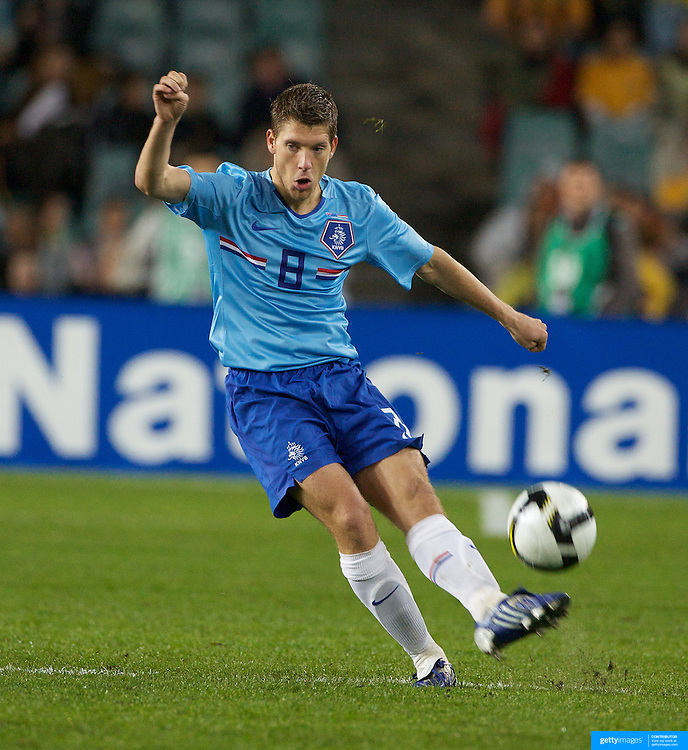Stijn Schaars, Holland, in action during the friendly International between Australia and The Netherlands at The Sydney Football Stadium, Sydney, Australia on Saturday, October 10th 2009. Photo Tim Clayton