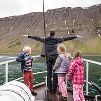 Húni II arrives in Ísafjörður