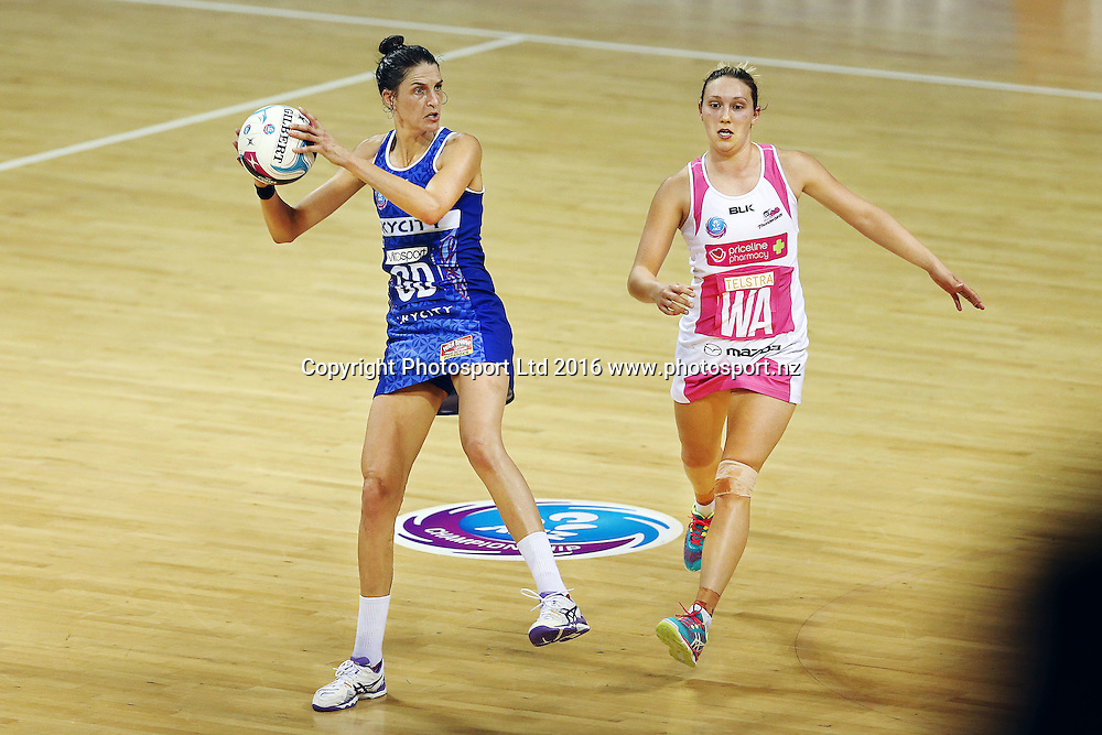 Anna Harrison of the Mystics competes against Khao Watts of the Thunderbirds. 2016 ANZ Championship, Northern Mystics v Adelaide Thunderbirds, The Trusts Arena, Auckland, New Zealand. 2 May 2016. Photo: Anthony Au-Yeung / www.photosport.nz
