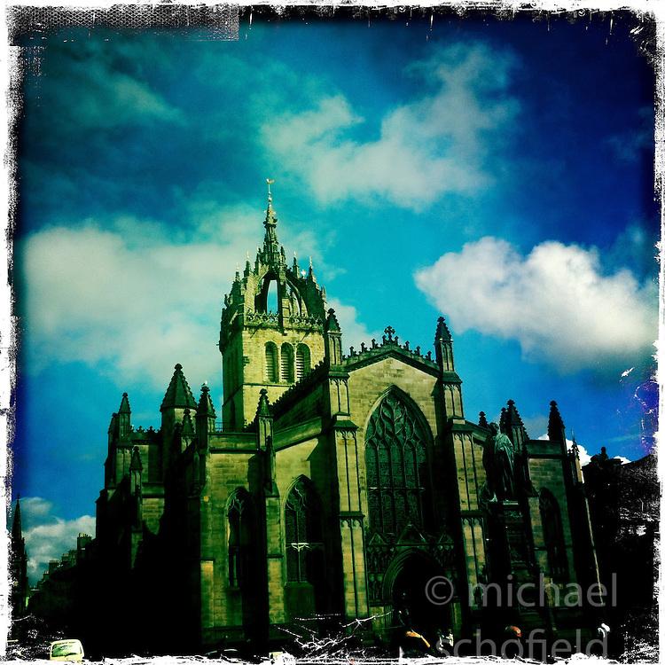 St Giles, High Street, Edinburgh..Hipstamatic images taken on an Apple iPhone..©Michael Schofield.