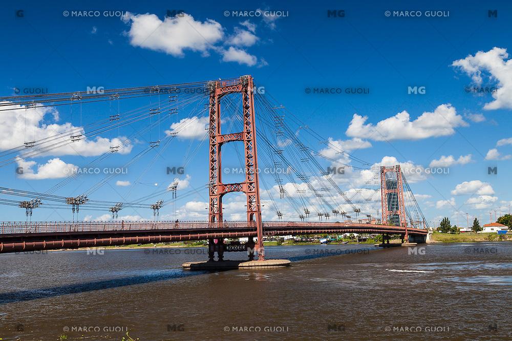 PUENTE COLGANTE DE DE SANTA FE, CIUDAD DE SANTA FE, PROVINCIA DE SANTA FE, ARGENTINA (PHOTO © MARCO GUOLI - ALL RIGHTS RESERVED)