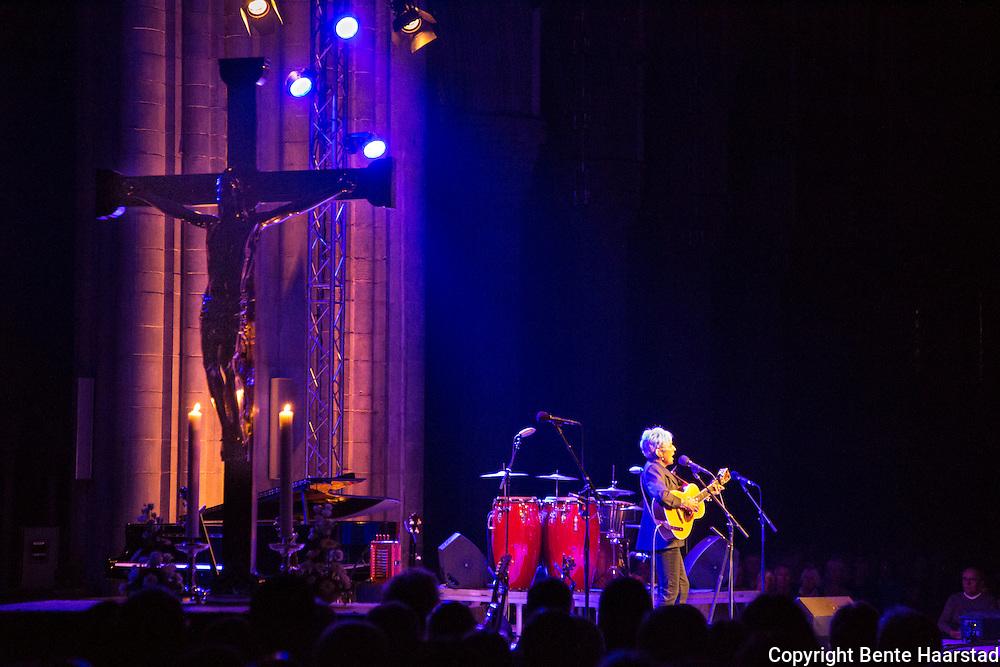 Konsert med Joan Baez i Nidarosdomen.